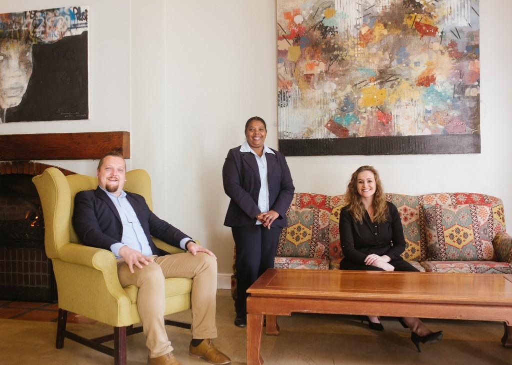 Stefan Hugget , Marchelaine Uys, Comien Grobler (HR)