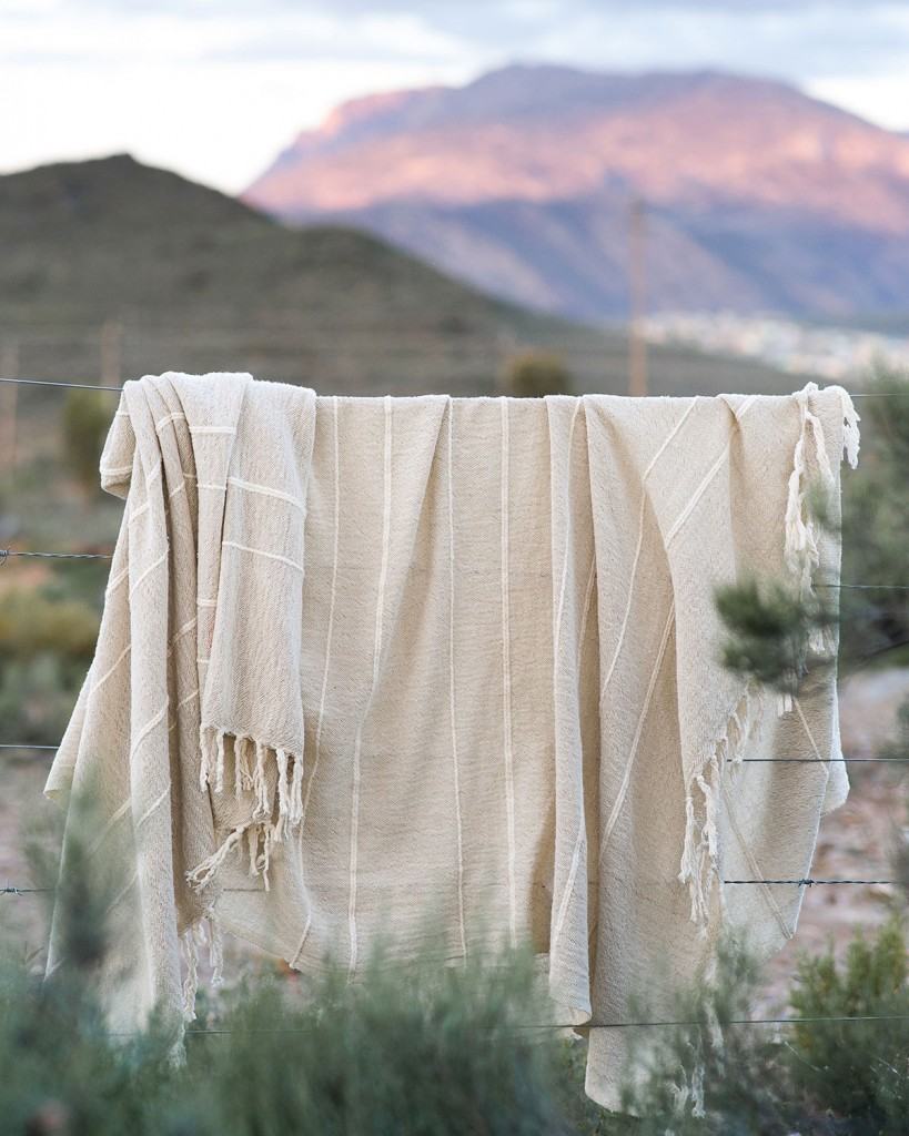 used 21.12.20 barrydale_hand_weavers_stone_throw
